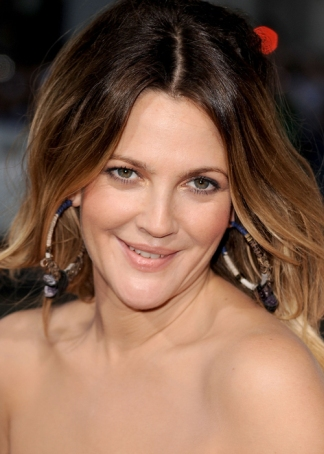 Drew Barrymore hairstyles 2017 and Hair color 01
