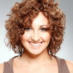 Short Hairstyles For Curly Hair Round Face 01