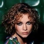 Short Hairstyles For Curly Hair Round Face 03