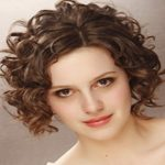 Short Hairstyles For Curly Hair Round Face 06