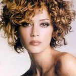 Short Hairstyles For Curly Hair Round Face 08