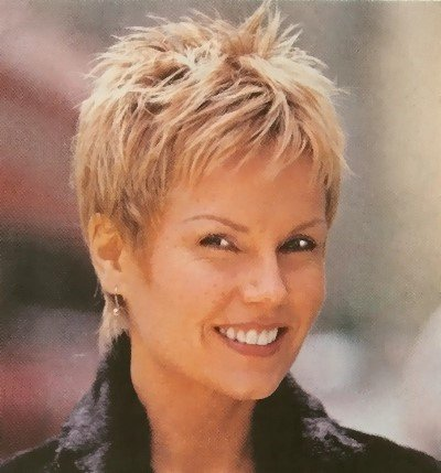 Best Haircuts For Round Faces Over 40, 50