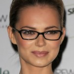 Hairstyles For Oval Faces With Glasses009