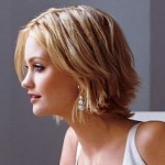 Low Maintenance Short Haircuts For Wavy Hair 6