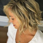 Low Maintenance Short Haircuts For Wavy Hair 9