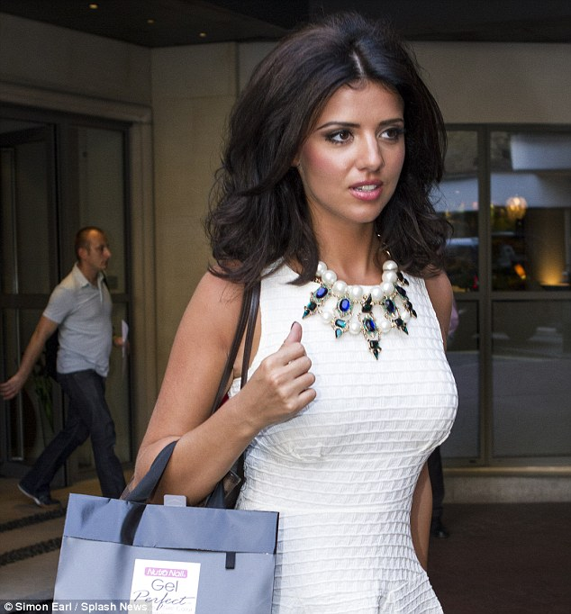 Lucy Mecklenburgh Hairstyles 2017 3