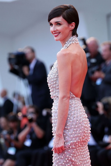 Celebrity Hairstyles in Venice film festival 2020 5