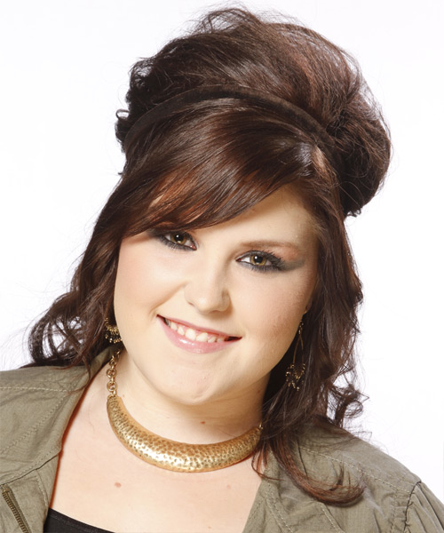 Hairstyles for overweight women with double chin 0