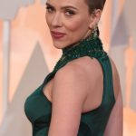 Scarlett Johansson Haircut 2017 And Natural Hair Color