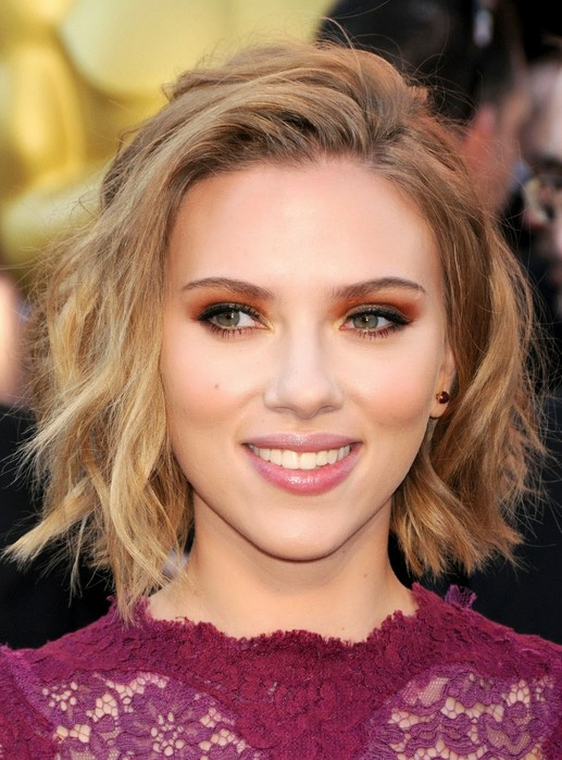 Scarlett Johansson haircut 2017 and natural hair color 9