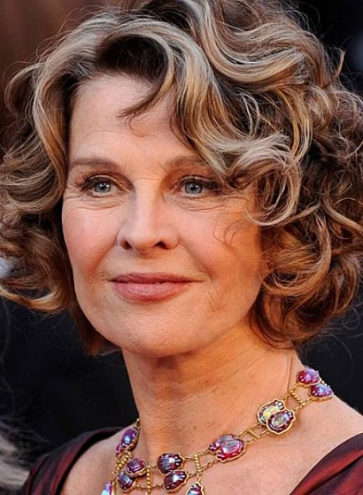 Short Curly Hairstyles For Women Over 40, 50, 60 5
