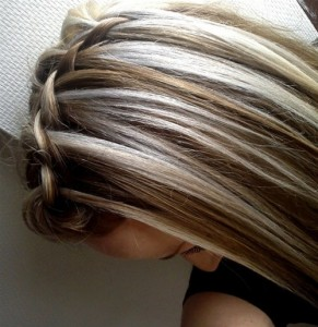 chunky blonde highlights on dark hair pictures 2