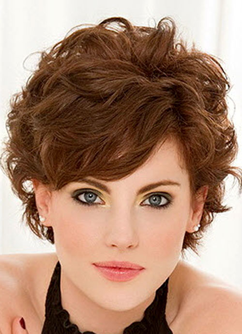 short haircuts with side bangs for round faces