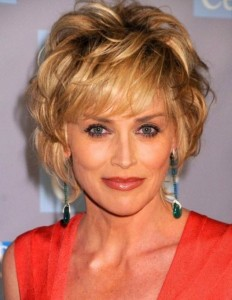 Short Haircuts For Thick Wavy Hair Over 50 04