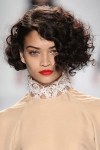 Short haircuts for thick curly hair and long face 5