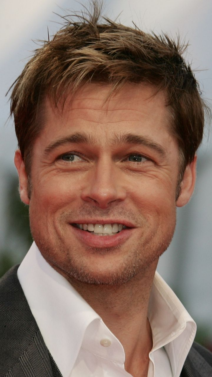 Brad Pitt Short Haircut and Hairstyle 2020 Pictures