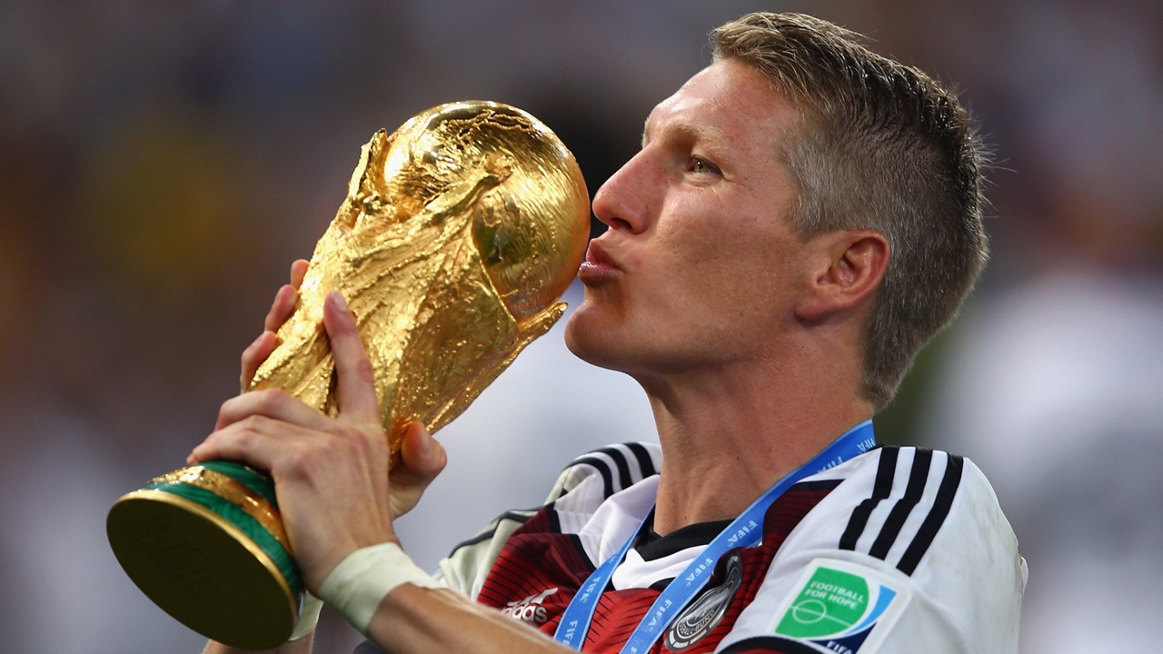 Bastian Schweinsteiger Hairstyle 2018 Hair Color Pictures