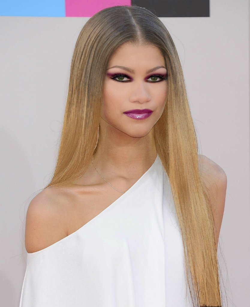 zendaya hairstyle 2020 and hair color