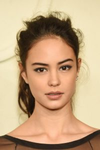 Courtney Eaton Latest, Long, Shoulder Length hairstyles Pictures