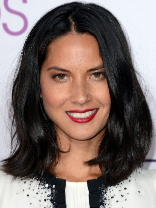 Olivia Munn Shoulder Length Hairstyle
