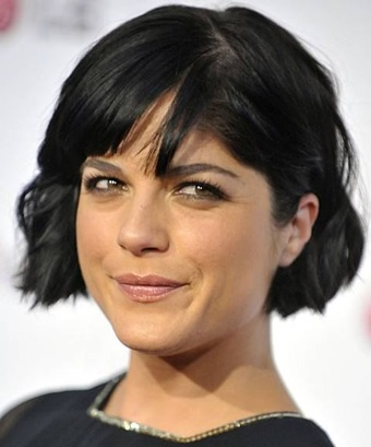 The actresses of the Hollywood are the personalities that are mostly followed all over the world. All the females that love to watch the Hollywood movies also love to follow the styles and the fashion if these celebrities. Selma Blair is one of the most famous and the beautiful actresses of the world. She is considered as one of the top actresses of the world. She is an actress of film television and theater industry. Here are the latest hairstyles included in the list and presented here for you. Selma Blair New, Bob, Short hairstyles Pictures are compiled here in a list that will give you the latest hairstyle for the women. The list mostly contains the latest hairstyles for the women. Selma Blair New, Bob, Short hairstyles Pictures are the latest pictures that you can easily follow and adopt the hairstyle of your own choice. The hairstyles are given with the pictures that give you more knowledge and easiness about the hairstyles that they choose. Selma Blair New, Bob, Short Hairstyles Pictures Following are the latest hairstyles that are compiled in the list to give you a new range of hairstyles that you will surly like. The hairstyles are given with the pictures and the details which will make the hairstyle easy for you to understand. Selma Blair New Hairstyle: This is the latest hairstyle for the short hairs. The hairstyle is named as the short sleek bob hairstyle. The hairstyle is named so because the hairs are cut short and made straight by the straightening iron. The hairstyle is made by cutting the hairs short till the ears. Selma Blair Bob Hairstyle: The hairstyle is for the short hairs. The hairstyle is named as the short wavy hairstyle for the short hairs. the hairstyle is made by cutting the hairs to the chin length and waves are made on the hairs with the waves irons. Selma Blair Short Hairstyle: The hairstyle is short hairstyle is made by cutting hairs in the chin hairstyle. The waves are made on the short hairs with the waving iron. The hairstyle is simple and very beautiful. Chin length wavy bob is for the women with short hairs.