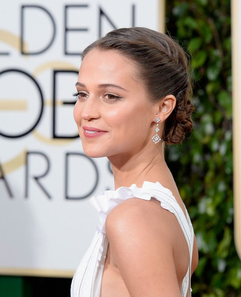 Alicia Vikander Half Up Half Down, Ponytail, Updo Hairstyles Pictures 1