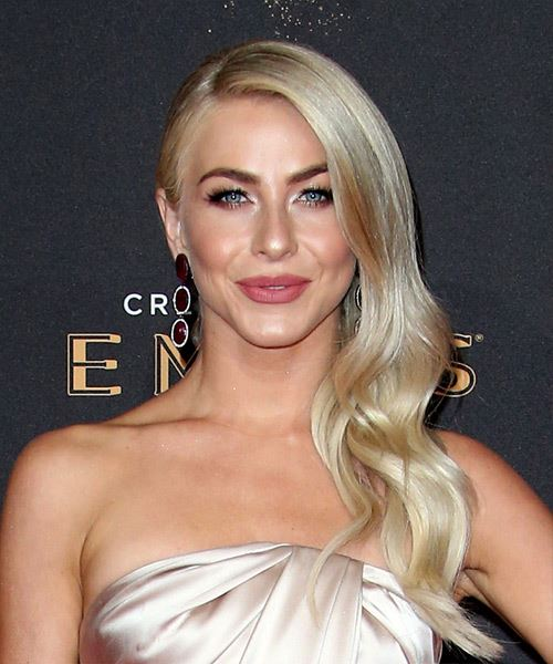Julianne Hough Hairstyles 2018 Side Layers
