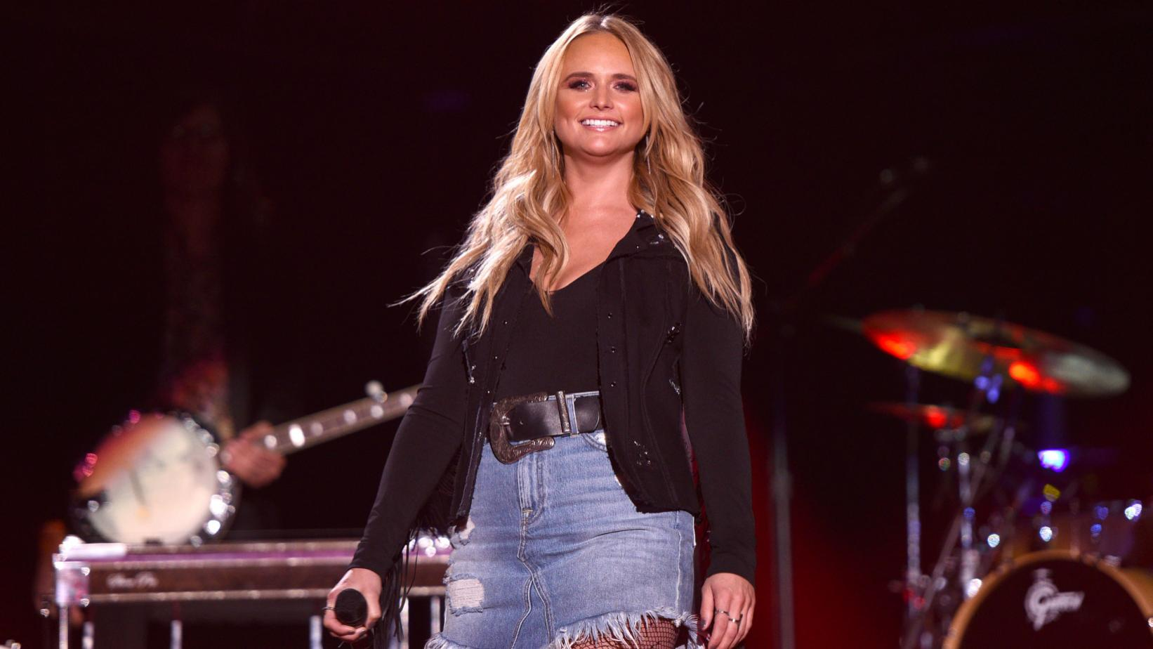 Miranda Lambert New Short Haircut 2020