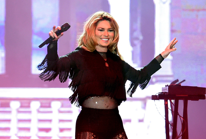 Shania Twain New Hairstyle 2018 Layrs