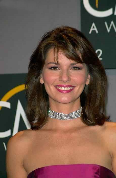 Shania Twain New Hairstyle 2018