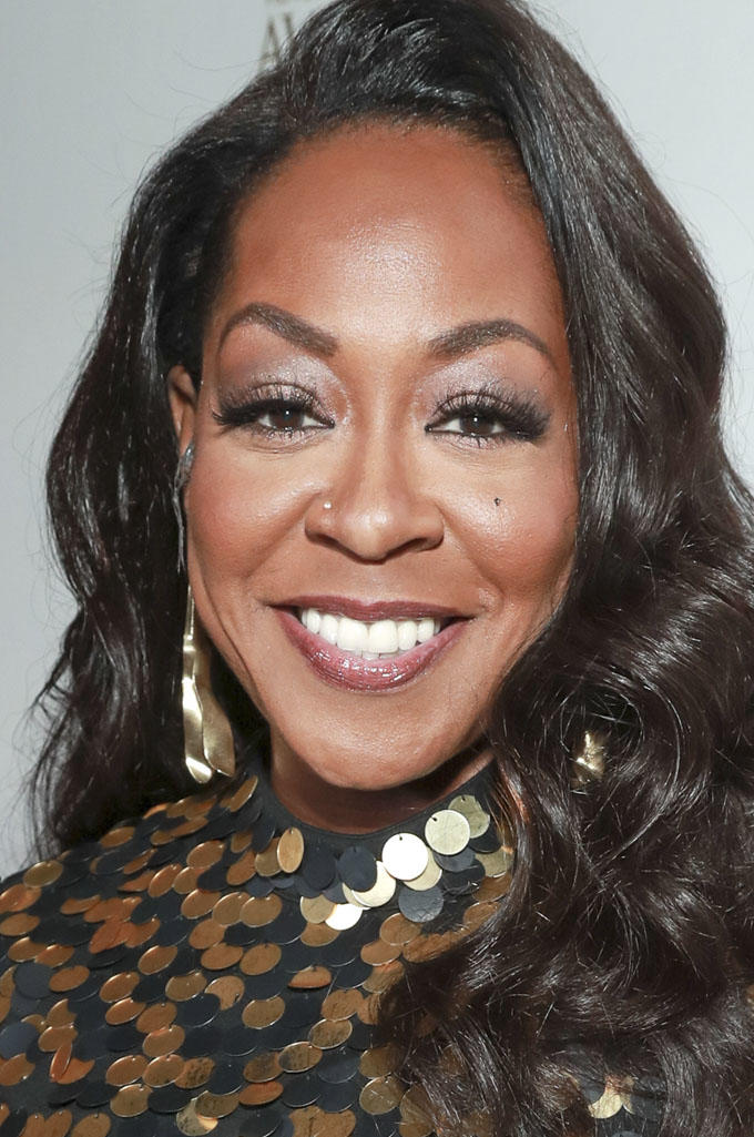 Tichina Arnold Short Hairstyles Pictures0010