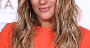 Caroline Flack Hairstyle 2020 Blonde Hair 5